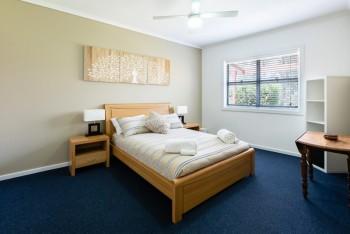 Caromb Bedroom