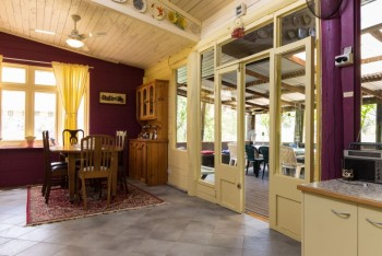 The sunny open indoor dining space at Dilly Dally at Wollombi - Wollombi - Hunter Valley